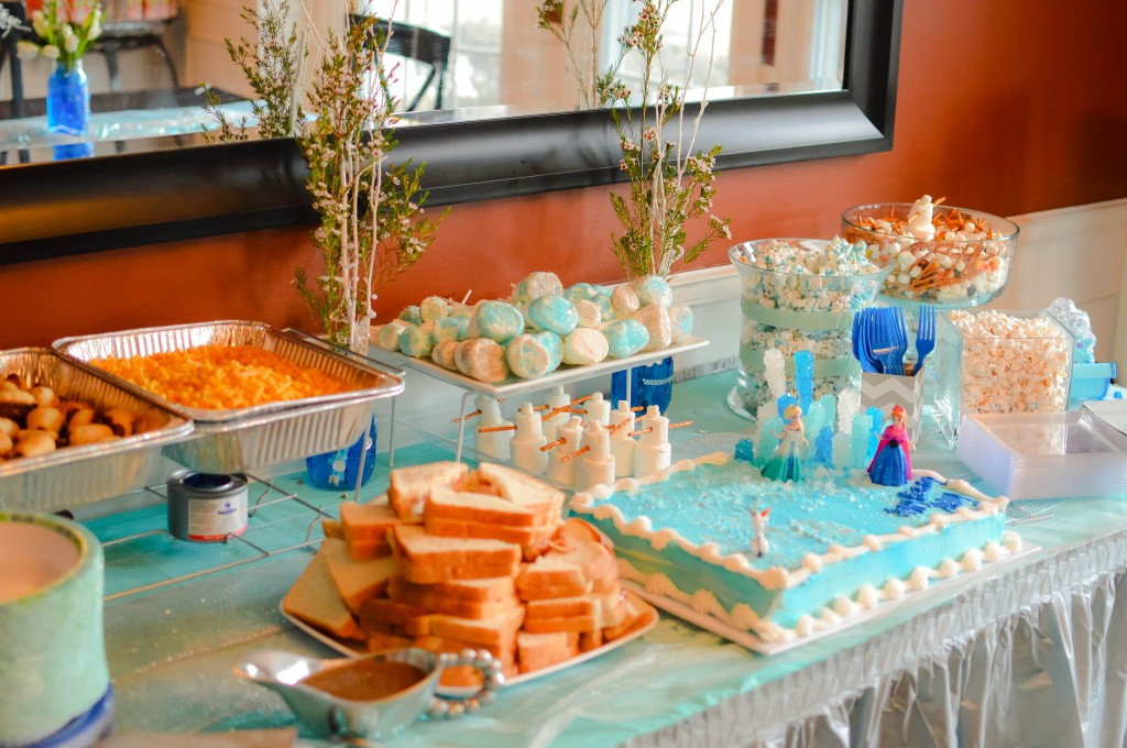 Abby's 5th Birthday Party #Frozen #Disney via @NewDayNewDeals #AbbyTrends http://www.newdaynewdeals.com/2014/03/abbys-frozen-birthday-party/