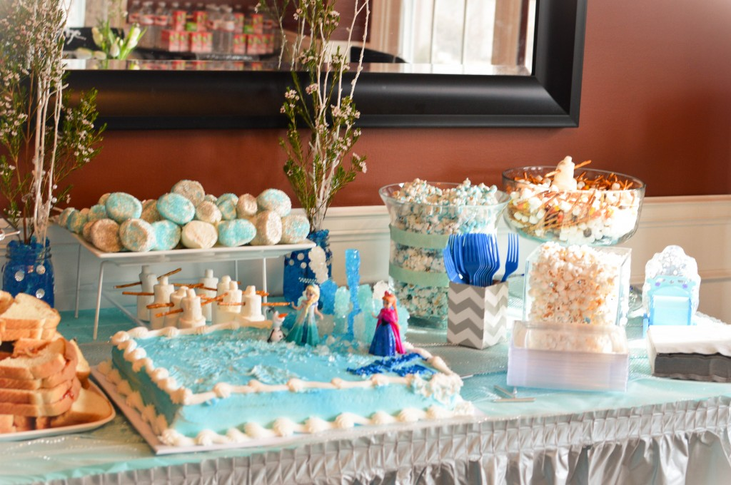 Abby's 5th Birthday Party #Frozen @NewDayNewDeals http://www.newdaynewdeals.com/2014/03/abbys-frozen-birthday-party/